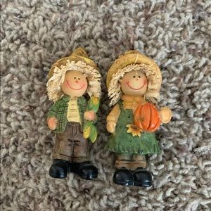 Scarecrow figurines
